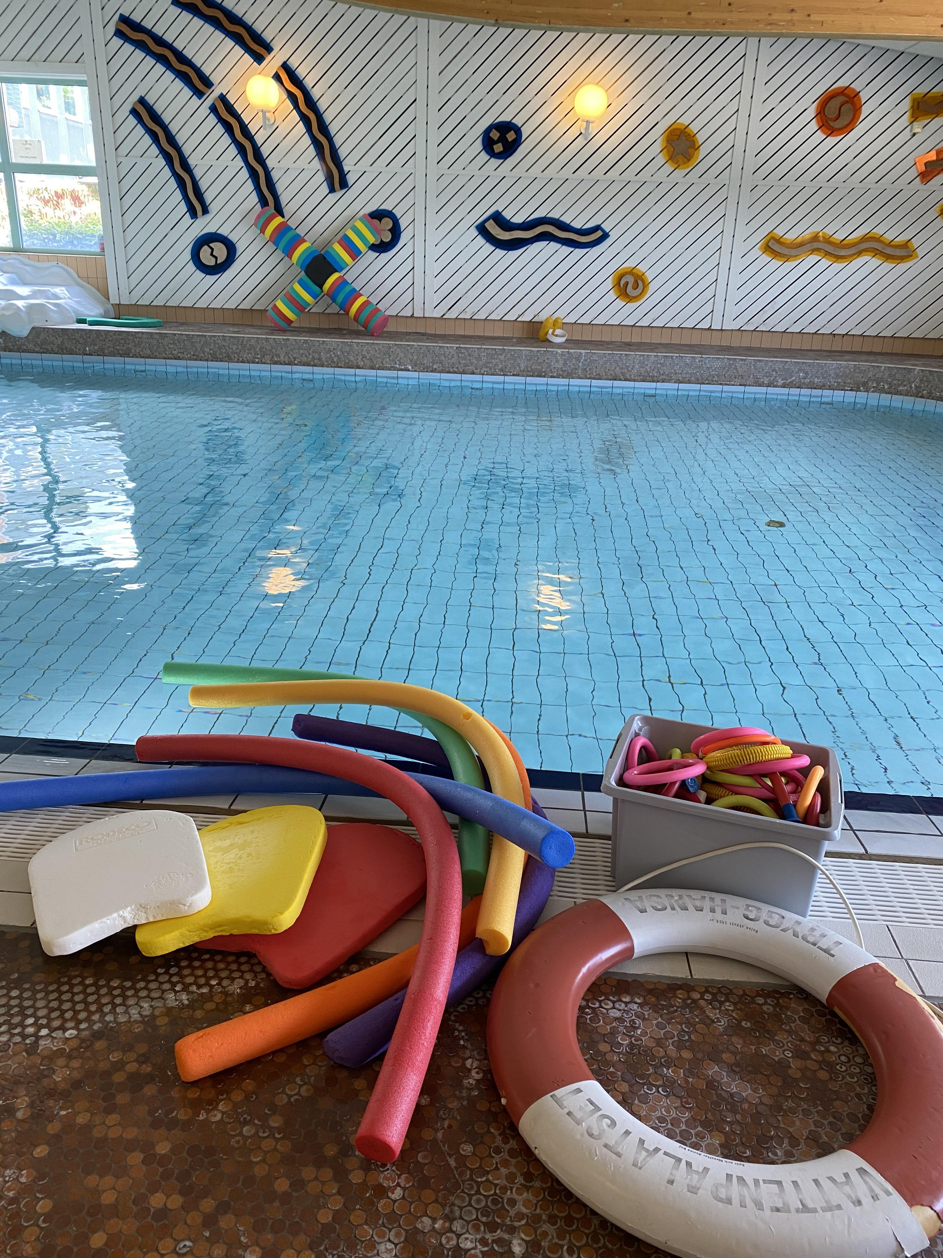 Bild på undervisningsbassäng för simskola